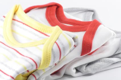 Kläder är en klassisk present till nyfödda