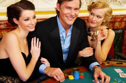 En helkväll på casino - den perfekta presenten till honom